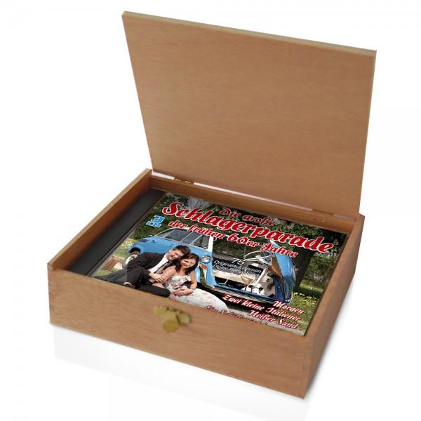 CD der 60er Jahre Schlager in Holzkiste mit Banderole